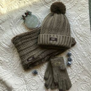 🎁Brown UGG 3 Pc Hat, Scarf & Glove Set🎁